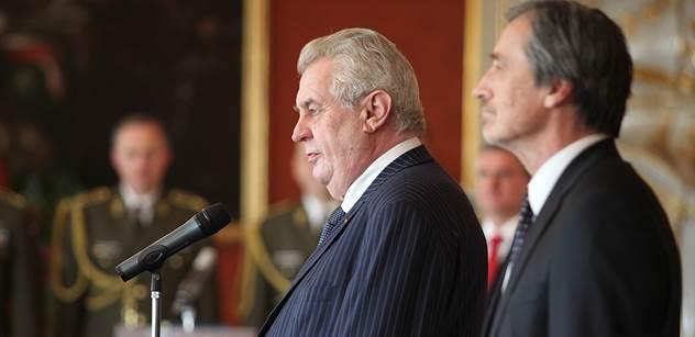 Miloš Zeman pro PL: Uprchlíky vracet, už teď si na to platíme. Že já jsem se praštil do hlavy, pane neúspěšný politiku? Povím vám novou hypotézu, jak to může být s Peroutkovým článkem