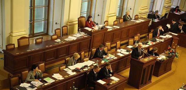 Koalice by mohla mít do dvou týdnů návrh služebního zákona