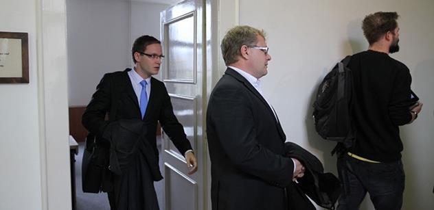 Omluvte se Ivanu Langerovi! Byli jsme u soudu, který měl udělat exministrovi vnitra radost. Jenže to bylo jinak