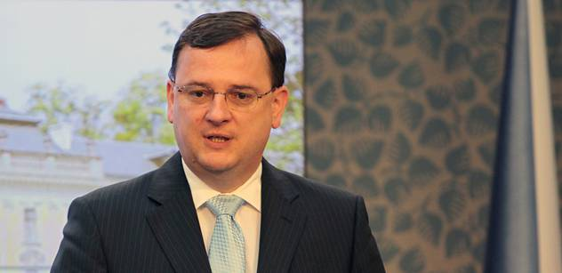 Protikorupční fond chce Nečasovu rezignaci za Pospíšila