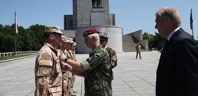 Druhý nejvyšší český generál: Nejsme žoldáci, jsme vojáci svrchované země