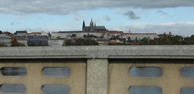 Manželka prezidenta republiky rozsvítí na Pražském hradě vánoční strom