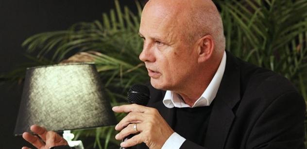 Topolánek dostal příspěvek na kampaň od Ivana Langera. A Michal Horáček začal křičet o banánové republice