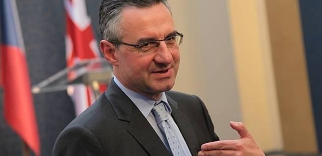 Zahradil: Nemohu vyloučit vojenské řešení ukrajinské krize. Pak by ale došlo k destabilizaci bezpečnostní situace v celé Evropě