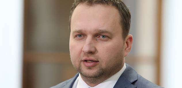 Jurečka (KDU-ČSL): Firmy a živnostníci zoufale volají o pomoc