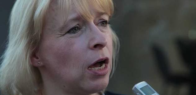 Vládě bych dala za boj proti korupci čtyřku, oznámkovala Marvanová