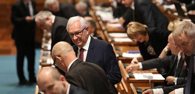 Výbušná vzpoura proti Drahošovi, Smoljakovi a dalším: Braňme ČT před těmi, kteří ji chtějí ovládnout! Podepisuje se petice