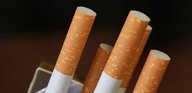 """Umělci kdysi podepisovali petici proti zákazu kouření. Teď si na to někteří nemohou vzpomenout. Jiní """"přivítali"""" antitabákový zákon velmi rázně"""