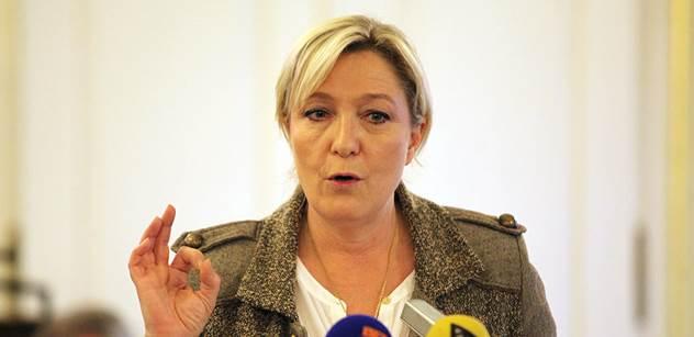 Kampaň pro druhé kola začíná. Le Penová  překvapila tímto nečekaným krokem