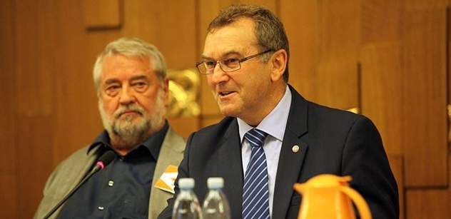 Tomáš Halík pořádně nadzvedl exposlance Soukupa: Naše země by ho ze sebezáchovných důvodů měla poslat do blázince, nebo do kriminálu!