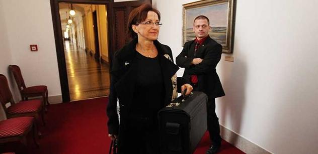 Paní Hanáková, píšou, že máte na ministerstvu chaos...
