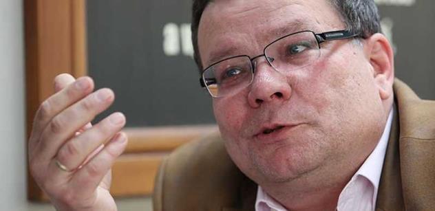 Alexandr Vondra: Zeman leze do zadku Kremlu a Číně. Je jasné, pod čím je vlivem. Já teď relaxuji s ptáky