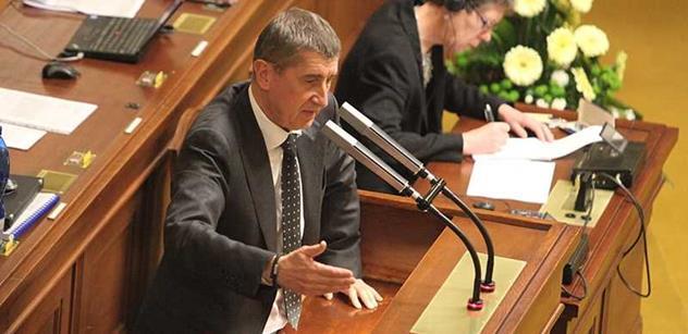 Babiš ve Sněmovně řval na Zaorálka: Řídí vás kmotr Pokorný. Kdo dělal papíry do Bruselu? ČEZ ovládl českou vládu. Vy jste nepostavil ani psí boudu!