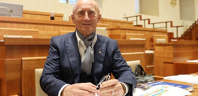 Senátor Valenta vyzývá k ukončení příprav projektu nové nemocnice ve Zlíně - Malenovicích