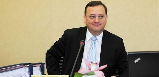 Podmínkou pro přijetí Srbska do EU je dialog s Kosovem, prohlásil Nečas