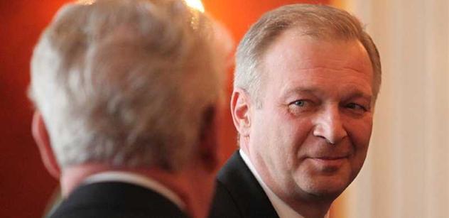 Ministr Picek po výslechu: Údajné pochybení zpravodajců musí zhodnotit soud