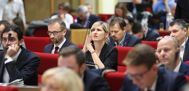 Pražští zastupitelé projednají privatizace, družstevní bydlení či klima