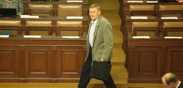 To jsou věci: Premiéra se zastal sám Kalousek. To když Grebeníček obvinil Sobotku ze zbabělého zapírání v kauze OKD