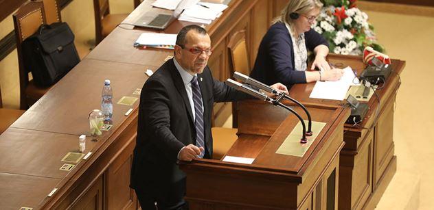 Šok ve Sněmovně: Šimon Pánek vyhrožuje politikům kvůli Křečkovi! odpálil Foldyna. A už to jede. I Milion chvilek. Sledujeme