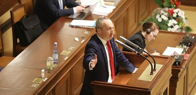 Klaus (Trikolóra): Jde o flagrantní ukázku ztráty suverenity České republiky