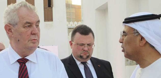 Zemana vozil po městě v autě korunní princ. Naši první dámu pustí do mešity, ale...