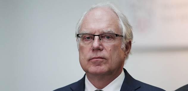 Předseda důchodové komise: Lidé by si měli spořit dlouho a ne málo