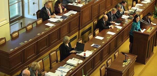 Poslanci dnes budou rozhodovat o novelách, které omezí daňové úniky