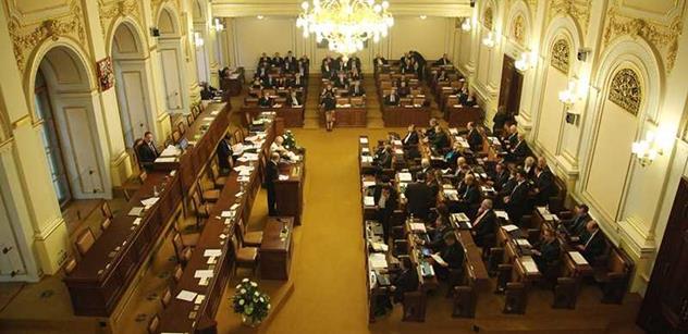 Poslanci odmítli anexi Krymu Ruskem, jde prý o porušení mezinárodního práva
