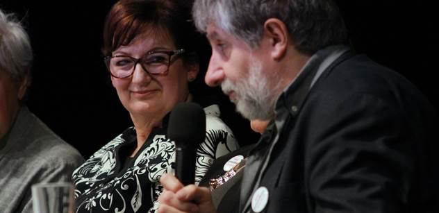 Akce s Evou Drahošovou a herci: Buď vyhraje Zeman a budeme ty divadelní večery opakovat, dokud to neskončí jinak. A máme know-how z roku 1989... Nebo vyhraje pravda a láska