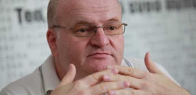 Soud začal řešit žalobu Hermana kvůli sesazení z postu šéfa ÚSTR