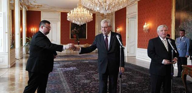 Pochybná protikorupčnice a bolševikův syn. HN syčí na adepty Rusnokovy vlády