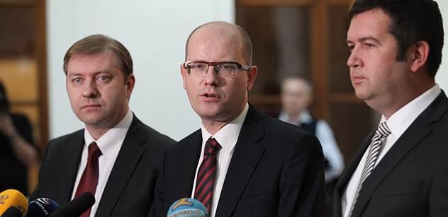 Sklenák chce dál vést frakci ČSSD, o nabídce na MPSV by jednal