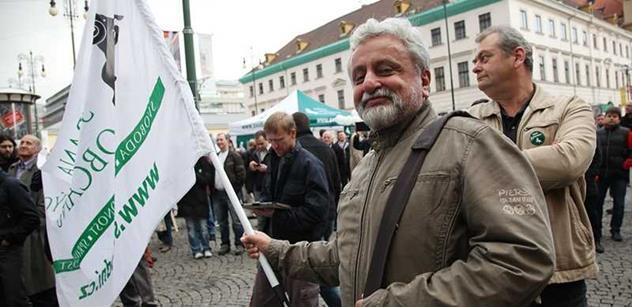 Filozof Bednář: Obama vše zkazil, bude se muset vrátit Bushova politika. A pokud jde o Ukrajinu...