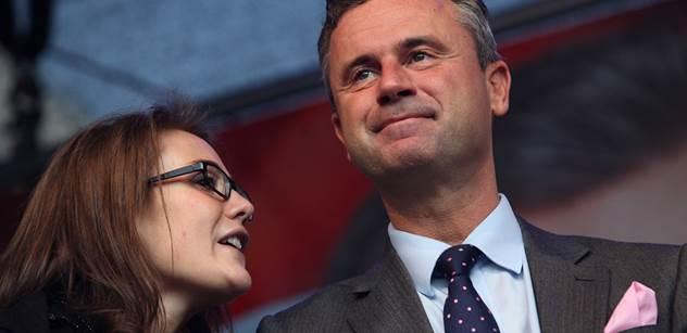 Dnes se rozhodne o prezidentovi Rakouska. Favoritem je odpůrce migrantů