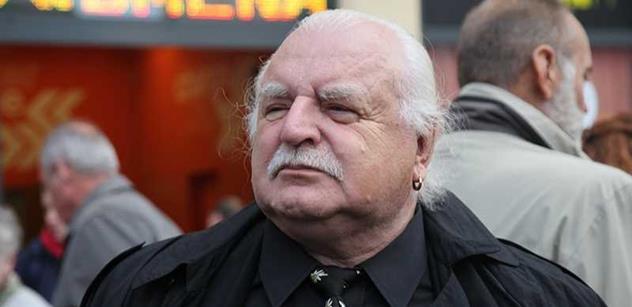 Profesor Knížák má obavy: Estébák Babiš má na prezidenta složku a drží ho v šachu. Jestli se stane premiérem, je to konec demokracie a důvod k odchodu ze země