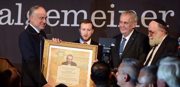 Bojovník za pravdu Miloš Zeman rozbouřil New York: Obří sál vestoje burácel při každém jeho slově. Byli jsme u toho a vše zaznamenali