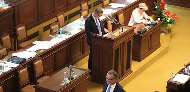"""Ve sněmovně se """"ztratil"""" zpravodaj k EET. Kalousek: Nedělejte si z nás srandu!"""