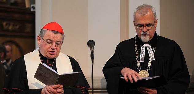 Kardinál Duka opět vysílá: Ironicky a jízlivě napsal o restitucích, poklonil se Havlovi