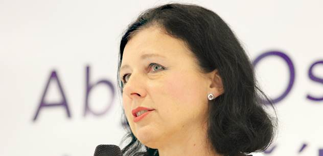 Jourová v ČT: Smlouva TTIP může Evropě spíše pomoci. Výhody převyšují rizika