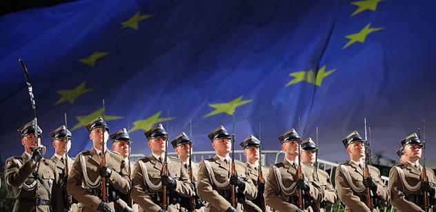 Europoslanci tlačí na další sankce na Polsko a Maďarsko. A jestli Komise nepřitvrdí, bude s nimi prý mít problém
