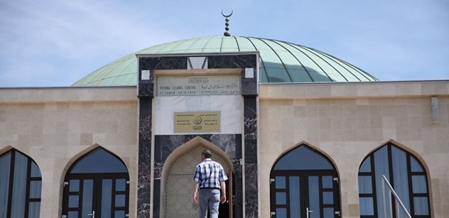 Z Německa: Rodiče zakázali dítěti povinnou školní návštěvu mešity. Zle na to doplatili