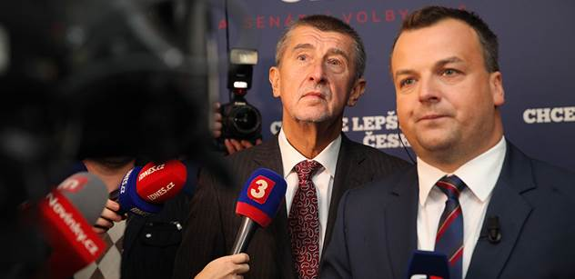 Nejnovější průzkum: O politiku se zajímá zhruba polovina českých občanů