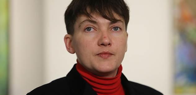 Porošenko je nepřítel národa, udeřila Nadija Savčenková. A další bomby o Ukrajině