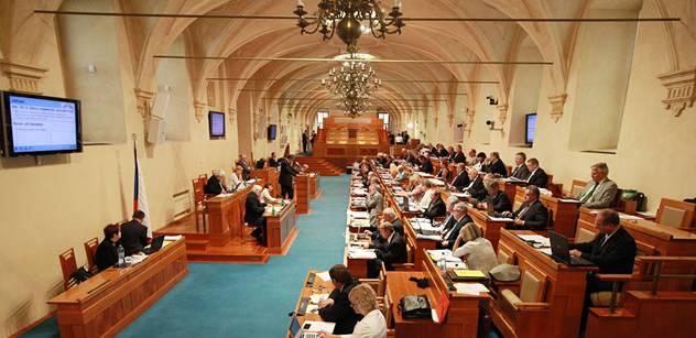 Lidé mohou opět Senátu navrhovat adepty na vyznamenání