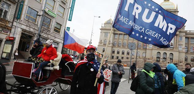 Čeští politici odsoudili zrušení Trumpova Twitteru. Včetně Piráta