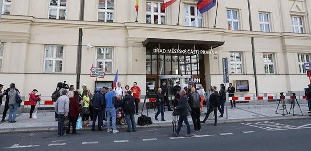 Další problém na Praze 6: Radní od starosty Koláře prý jeli někam, kam neměli. Jde o Turecko, Kurdy a Erdogana