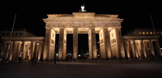 Jan Urbach: V ulicích Berlína vzpomínali Rudolfa Hesse
