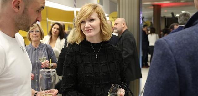 """Demonstrace před ČT! varuje herečka Geislerová. A takto """"uspěla"""". U Klause ml., ale i u KDU-ČSL. Silná slova"""