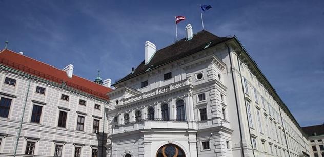 Velký obrat ve vztahu k imigraci i Visegradu? Manuál k rakouským volbám od bývalého velvyslance