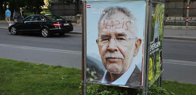 Je to potvrzené: Korespondenční hlasy udělaly rakouského prezidenta ze zeleného profesora
